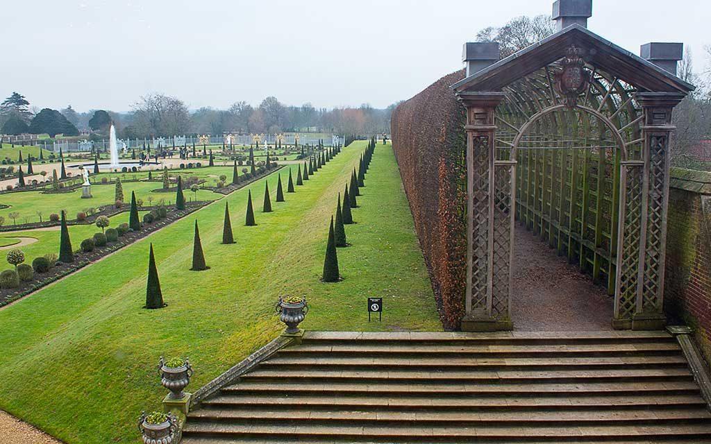 Der GartenGnom in den Hampton Court Gardens
