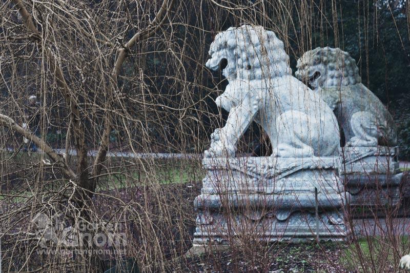 Chinesische Löwen in den Kew Gardens in London.